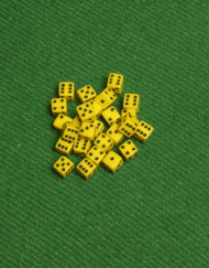6 Vlakken Dobbelsteen Geel met Zwarte Stippen 5mm