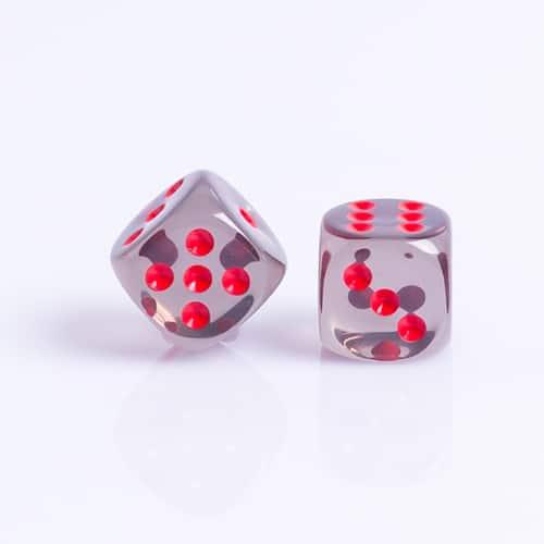 6 Vlakken Dobbelsteen Transparant Zwart met Rode Stippen 16mm Set