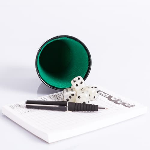 Dobbelbeker Pokerbeker Kunstleer 9cm waar te koop