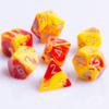 Polydice 7 Dobbelstenenset Gemêleerd Rood Geel met Zilver D&D dice dungeons and dragons RPG