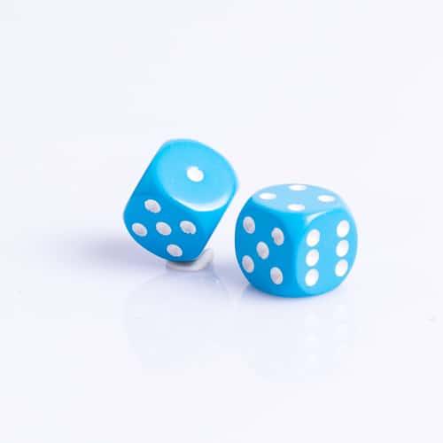 6 Vlakken Dobbelsteen Licht Blauw met Witte Stippen 16mm kopen